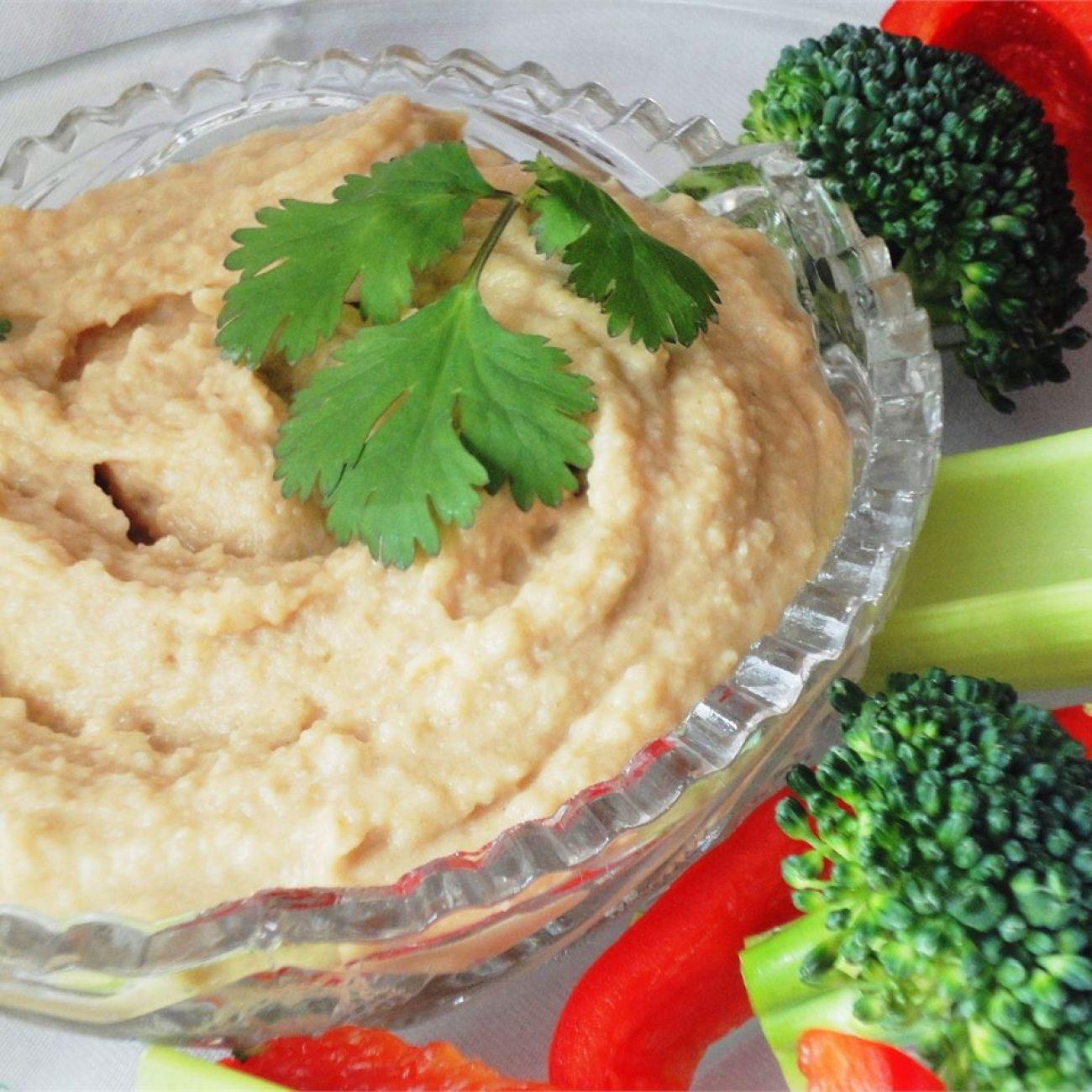 Extra Easy Hummus