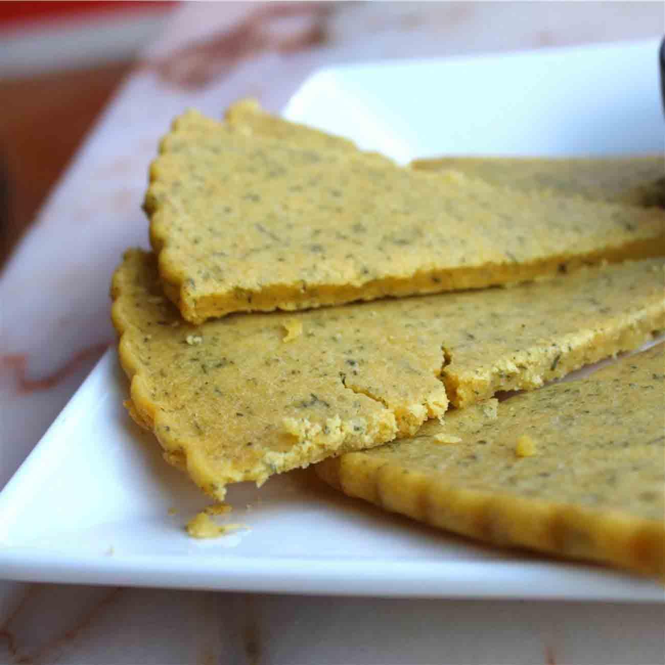 Gluten-Free Parmesan Dill Flatbread Recipe